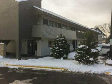 Norwood Inn & Suites Burnsville
