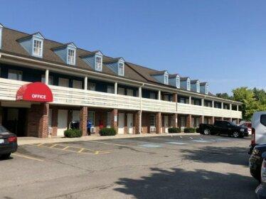 Econo Lodge Canton Detroit Metropolitan Area
