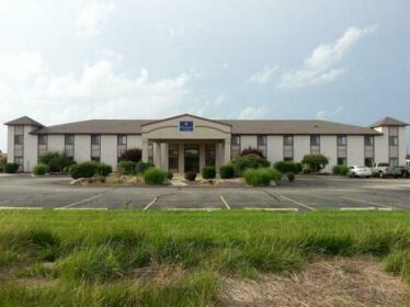 Centerstone Inn & Suites Carlyle