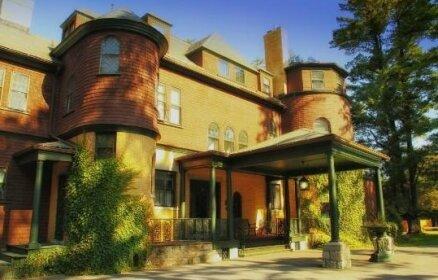 The Brewster Inn Cazenovia