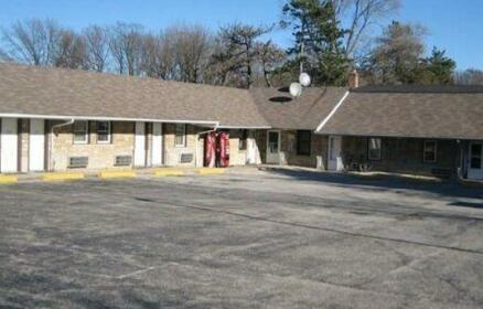 Economy Inn & Suites Cedar Lake