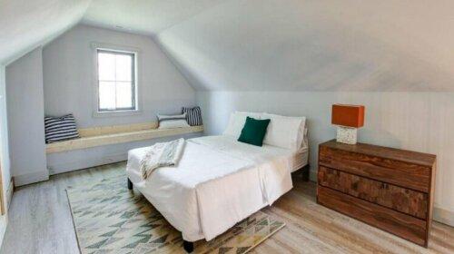 2 Bedroom East 18th Street