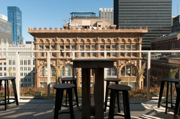 Bold 3BR in the Chicago Loop by Sonder