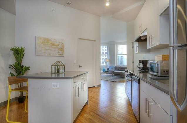 Bold 3BR in the Chicago Loop by Sonder- Photo4