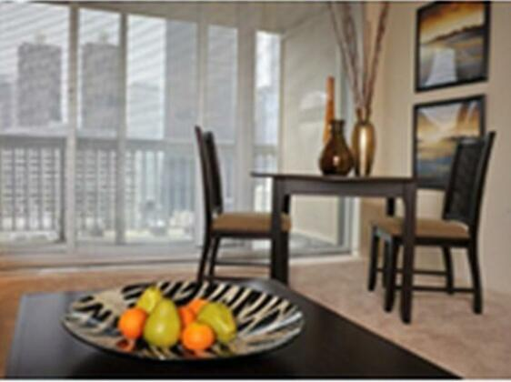 Premier Luxury Suites- Photo2