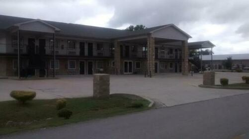 General Bragg Inn and Suites