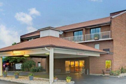 Days Inn by Wyndham Cincinnati East