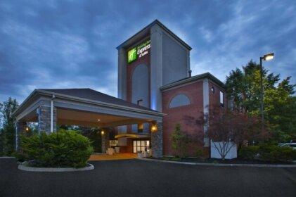 Holiday Inn Express Hotel & Suites Cincinnati Northeast-Milford