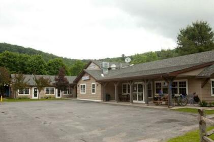 Blue Hill Lodge