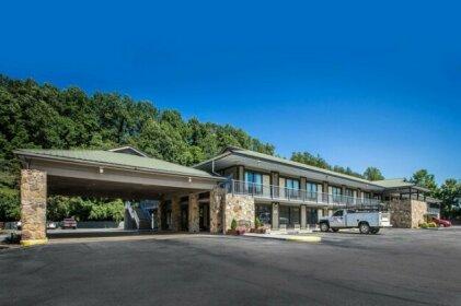 Quality Inn & Suites Mount Chalet