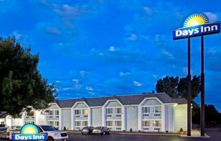 Days Inn by Wyndham Council Bluffs 9th Ave