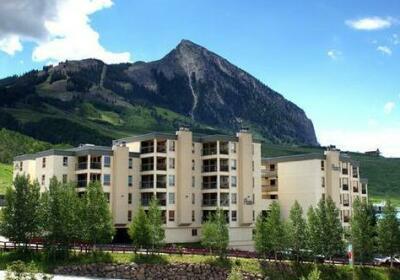 Buttes Condominiums