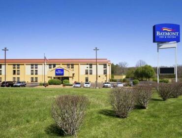 Baymont by Wyndham Crossville Motel
