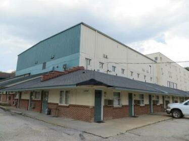 The Bluffs Inn