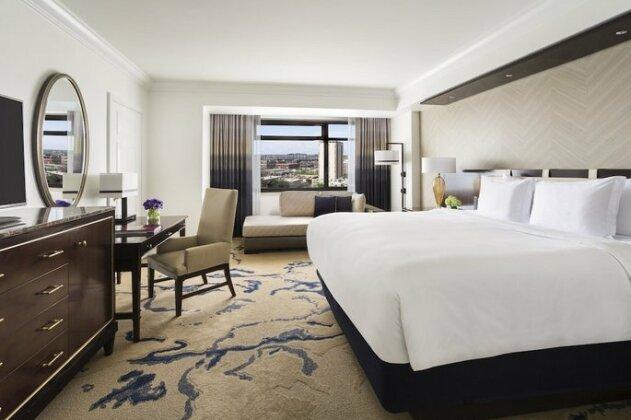 The Ritz-Carlton Denver- Photo2