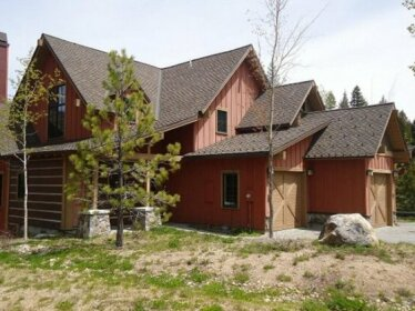 Clearwater Townhome 78 3 Br cabin by RedAwning