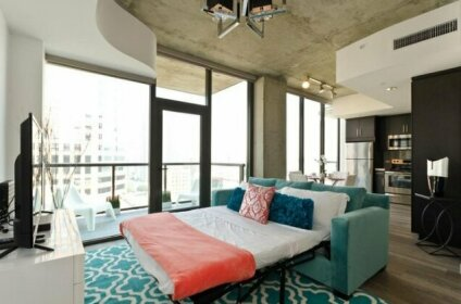 Urban DTLA VIP Penthouse with Pool Table