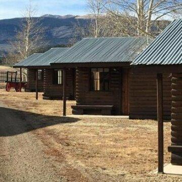 Eagle Nest Cabins &Marina