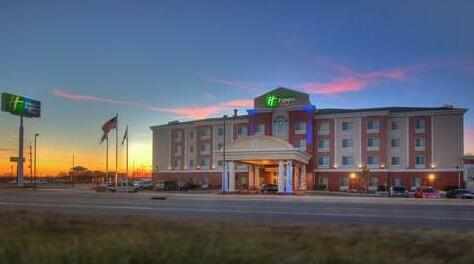Holiday Inn Express Hotel and Suites Elk City