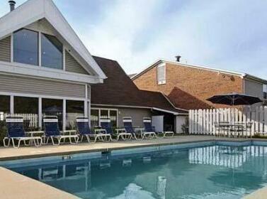 Elkins Inn & Suites