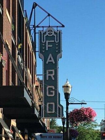 Hampton Inn & Suites Fargo Fargo