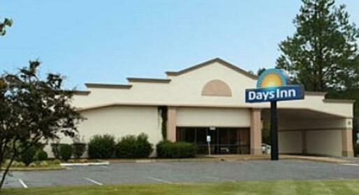 Days Inn by Wyndham Fayetteville-South I-95 Exit 49 Fayetteville
