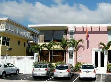 Alcazar Resort