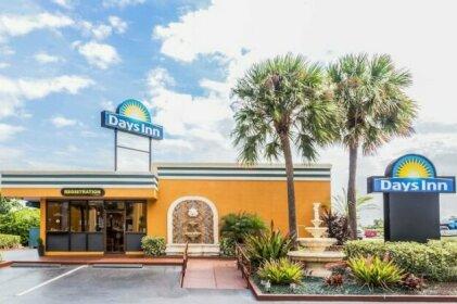 Days Inn by Wyndham Fort Lauderdale Oakland Park Airport N