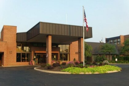Ramada Plaza by Wyndham Fort Wayne Hotel & Conference Center