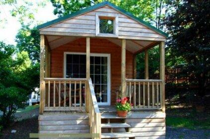 Round Top Premiere Cottage 5