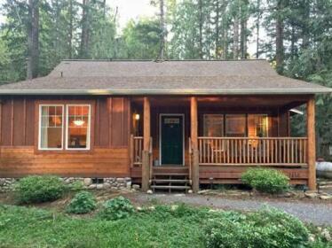 Cabin in Glacier Springs 95