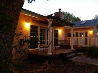 Glen Ellen Inn Secret Cottages