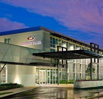 Crowne Plaza Hotel Glen Ellyn/Lombard