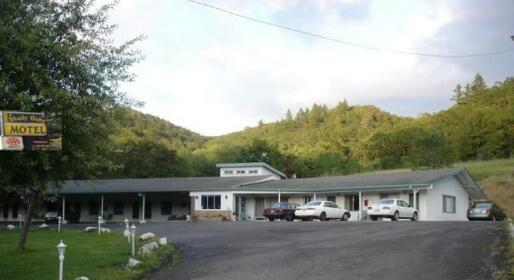 Shady Oaks Motel