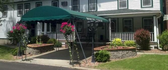 Baumann's Brookside Resort
