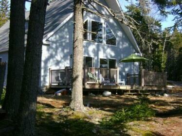 Oceanfront Hancock Cottage