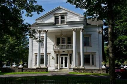 The Queen of the Catskills B&B