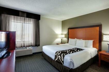 La Quinta Inn and Suites Harrisburg Airport Hershey