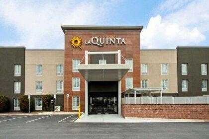 La Quinta Inn & Suites Cumberland - Harrisburg