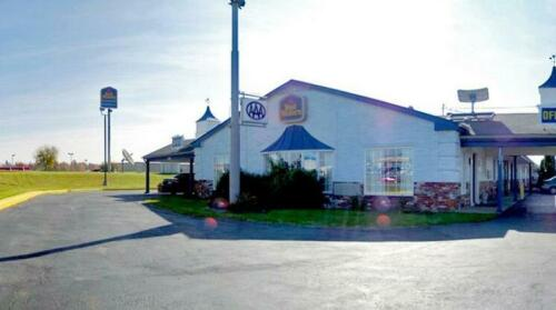 Harrisonville Inn & Suites