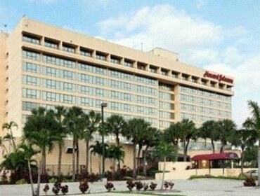 Howard Johnson Plaza Hotel M