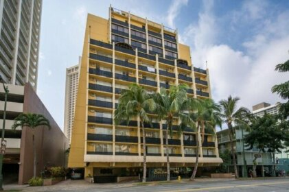 Expansive Lanai w/ Panoramic Views - Walk to Waikiki Beach