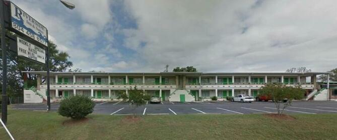 Riverside Inn and Suites