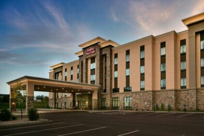 Hampton Inn & Suites-Hudson Wisconsin