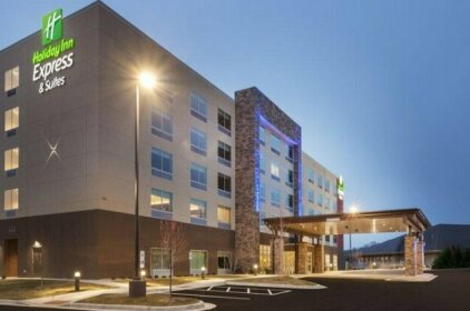 Holiday Inn Express & Suites - Hudson I-94