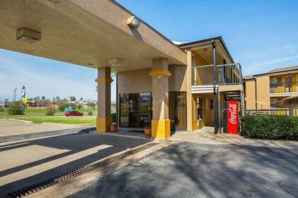 Econo Lodge Huntsville Texas