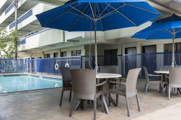 Quality Inn & Suites Los Angeles Airport - LAX - Photo5