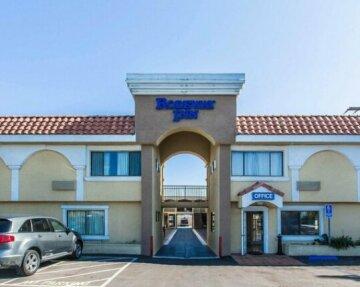 Rodeway Inn & Suites - Hotel in Inglewood Near LAX Airport