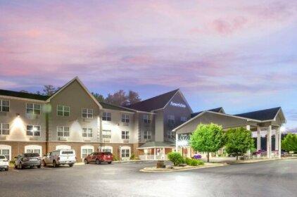 Country Inn & Suites by Radisson Iron Mountain MI