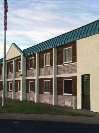 Econo Lodge Ironwood